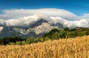 Gran Sasso con coperta di nuvole